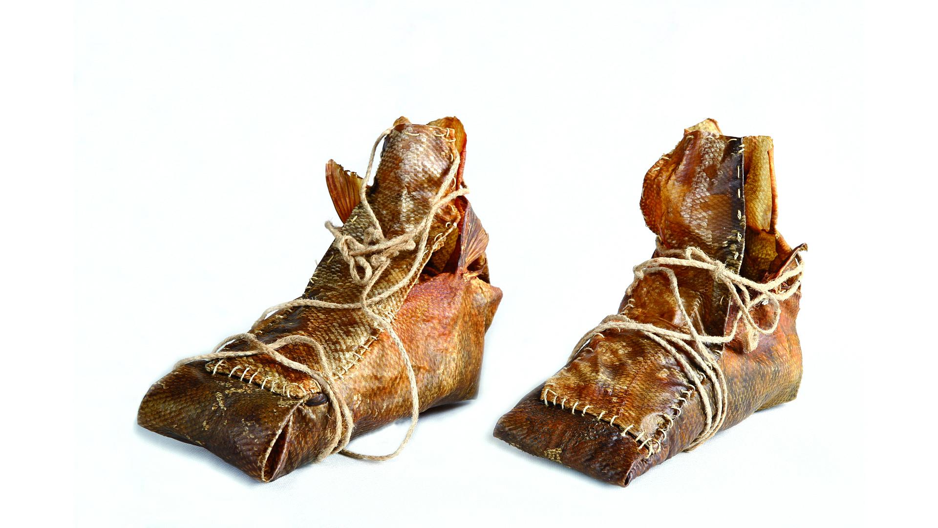 Buty z łososia - Ajnowie